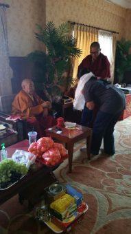 Holi op bezoek bij NINTH KHENCHEN THRANGU RINPOCHE